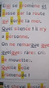 texte avec police adaptée et syllabes en couleur